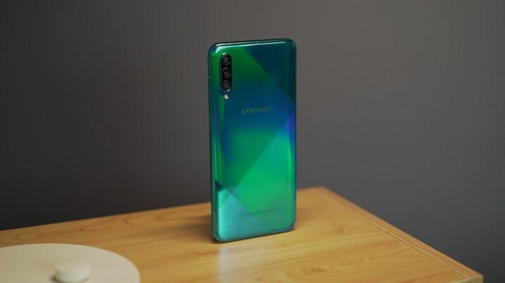 Oppo A9 2020 vs Samsung A50S